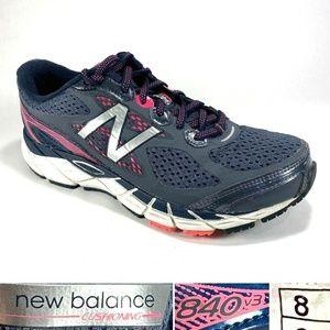 New Balance 840v3 Women's Sz 8 Running Shoes